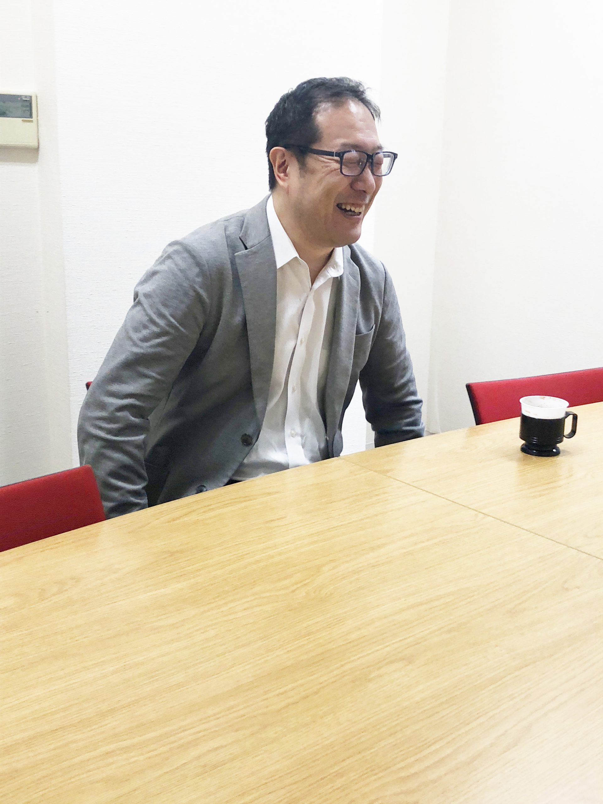 """「""""ニーズ""""に応えたい」インタビューに答える梅田さん"""